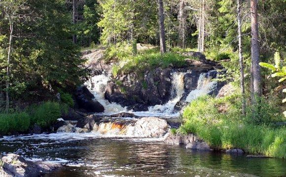 Рускеальские водопады в